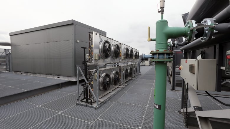 How air conditioners could keep you cool and capture carbon