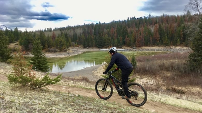 Electric bikes set to hit the trails in Jasper National Park
