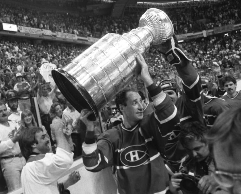 best service f263a 0a2da The fires, the fans and the unfazed coach when the Canadiens ...