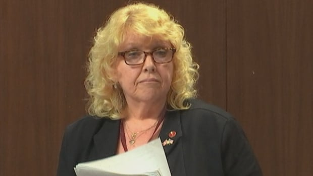 Lynn Beyak is back on the Senate payroll after suspension over letters condemned as 'racist'