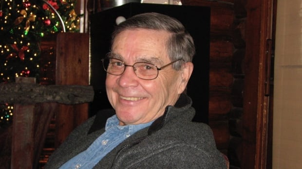 Longtime Calgary MP Jim Hawkes has died at 84 | CBC News