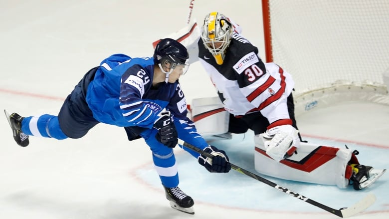 Canada Drops Opener To Finland At Hockey Worlds Cbc Sports