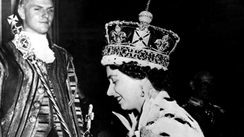 15++ Queen Elizabeth Coronation