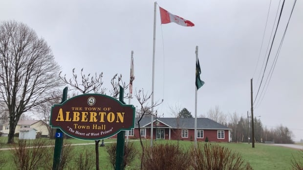 Raising the Pride flag unanimously rejected by town council in PEI