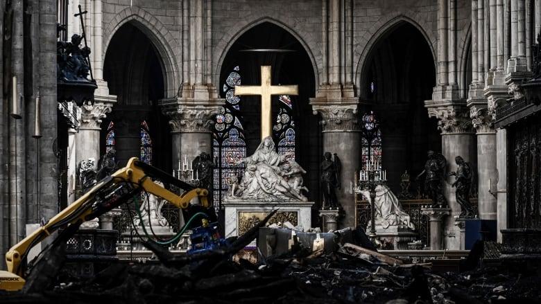 Notre-Dame reconstruction plan inspires big promises, unorthodox designs