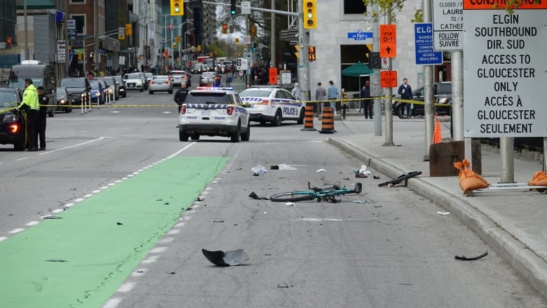 Cyclist dies after downtown hit and run | CBC News