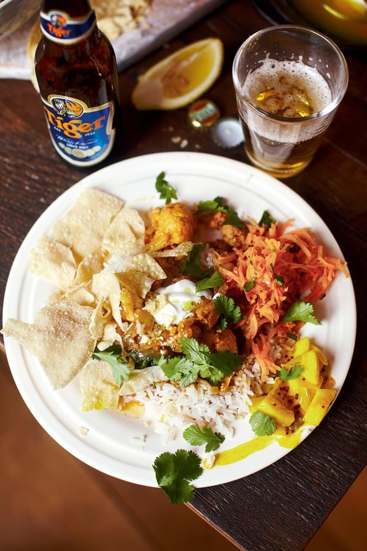 Jamie Olivers 30 Minute Meals Curry Rogan Josh Fluffy Rice Carrot Salad Poppadoms Flatbread