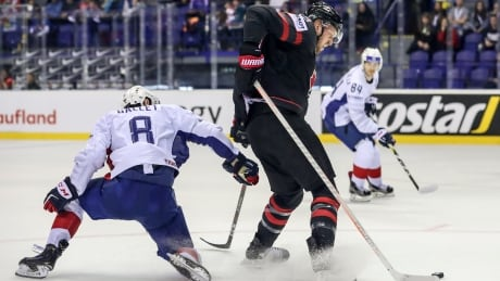 Mantha leads Canada over France to move up in group, Sweden routs Austria
