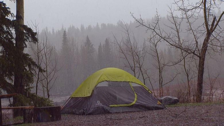May long weekend campers not bothered by wet spring weather