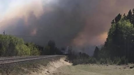 Residents return home after fire evacuation order lifted in Alberta community of Marlboro