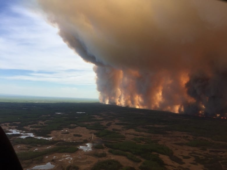 'It was a helluva experience': Alberta wildfire takes toll on firefighters, evacuees