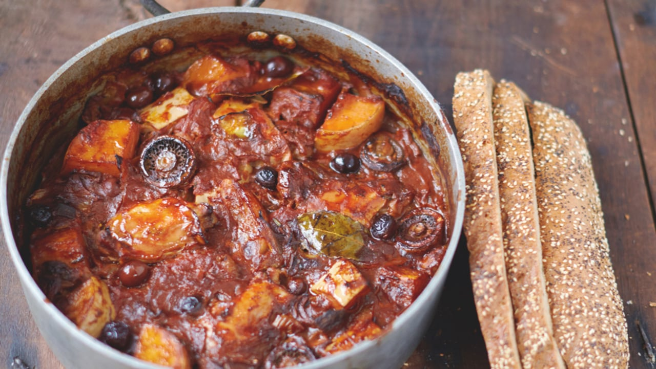Jamie Olivers Super Food Chicken Squash Cacciatore With Mushrooms Tomatoes Olives And Bread