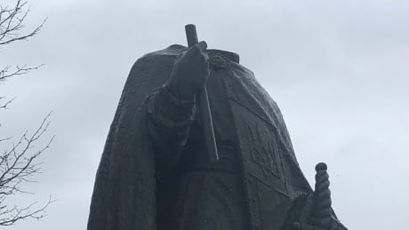 St. Volodymyr statue decapitated Winnipeg