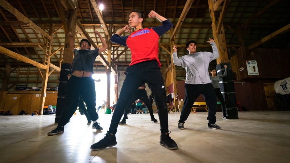 cbc.ca - Jackson Weaver - Teens from fly-in First Nations transformed by dancing their way onto Toronto stage
