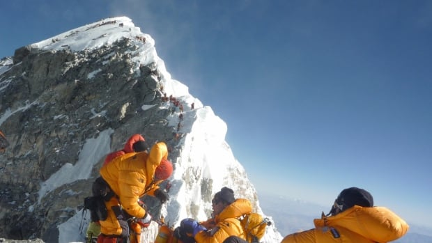 More climbers die on 'extremely crowded' slopes of Mount Everest