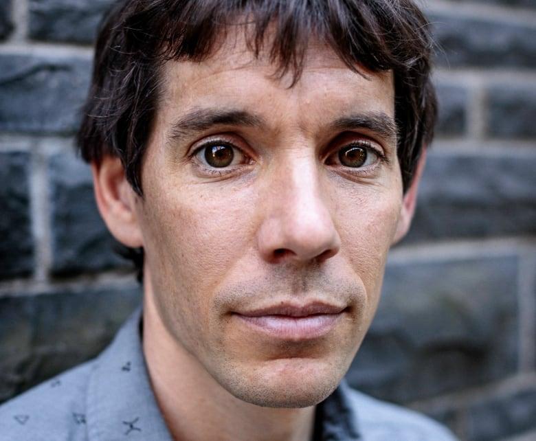 Why rock climber Alex Honnold risks no ropes hundreds of metres