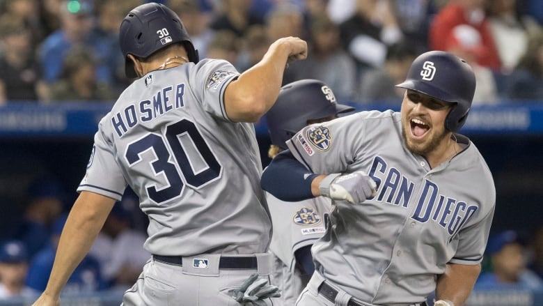 outlet store dff10 dd34b Renfroe hits tiebreaking homer in 8th as Padres top Blue ...