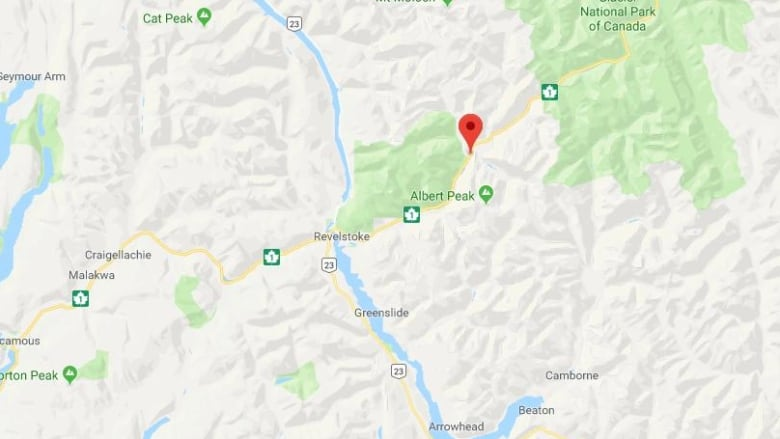 Highway 1 east of Revelstoke reopens after 5 hour closure due to crash
