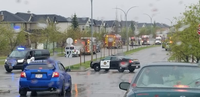 Homicide unit investigating 2 deaths after explosion at northwest Calgary home