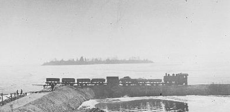 A century of water: As Winnipeg aqueduct turns 100, Shoal