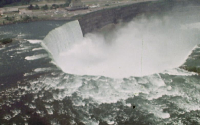 50 Years Ago The U S Turned Off Their Part Of Niagara Falls