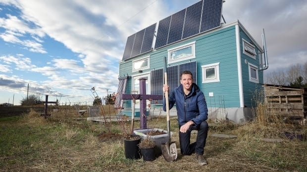 Small house, big plans: Made-in-Edmonton project will take tiny home on tour — then give it away | CBC News