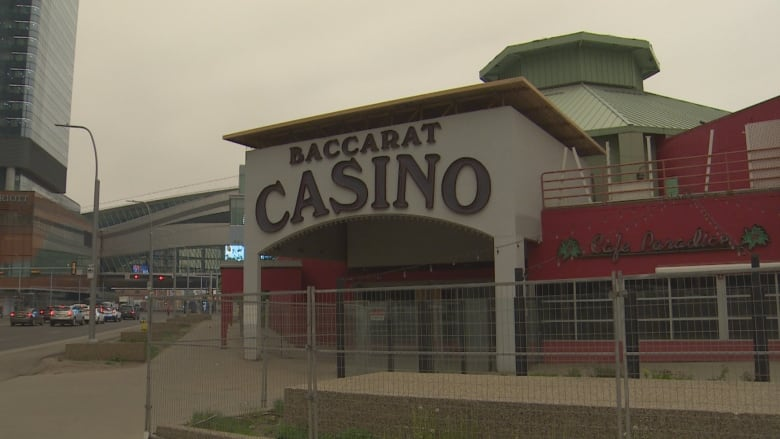 Baccarat Casino sits 'sad and lonely' on Edmonton lot, 3 years after closing