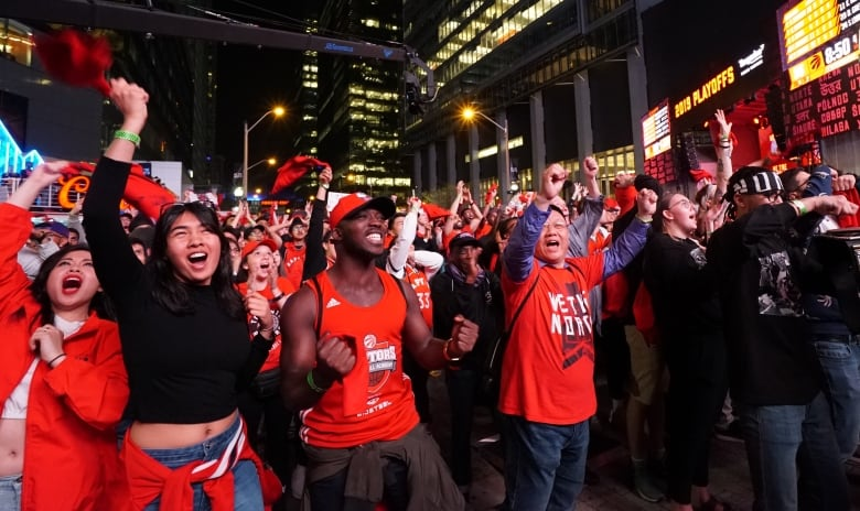 Raptors relish home court in historic Game 1 win