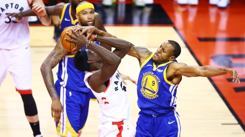 Warriors' Thompson questionable for Game 3 vs. Raptors