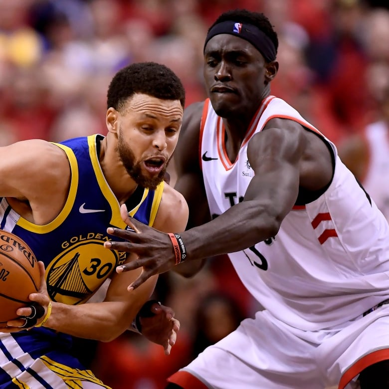 39e901aece3 Battle-tested Warriors punch back to sink Raptors in Game 2