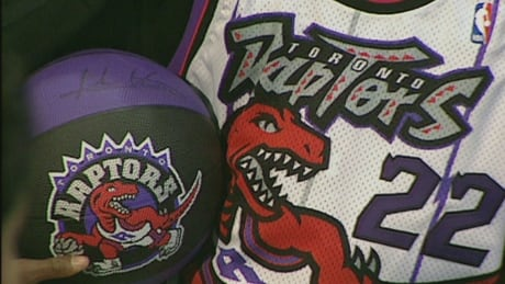Raptor jersey shown off on Feb. 1, 1995