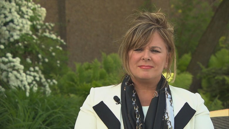 'I'm deeply sorry,' says president of Winnipeg hospital after family buries wrong baby