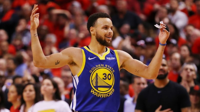 d7e34370523 Golden State's Stephen Curry said on Wednesday that while interactions with  boorish fans in the NBA Finals is inevitable, heckling his parents was