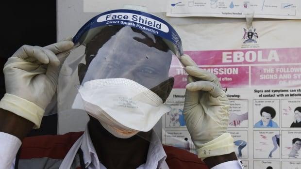 a7e4be9a Ebola rumours, false reports stoke fears of immigrant threat at Texas border