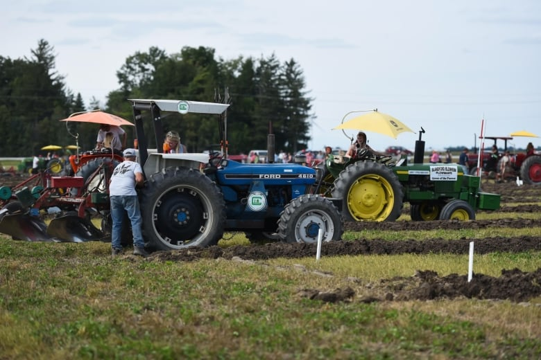 Ontario Queen of the Furrows to make appearance at Warren