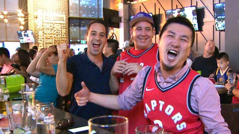 Vancouver fans revel in Toronto Raptors' victory