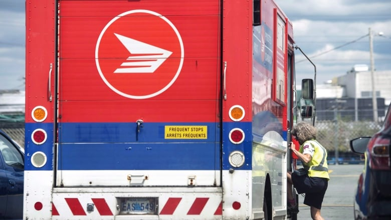 Canada Post wants to hike stamp prices to 92 cents starting next year