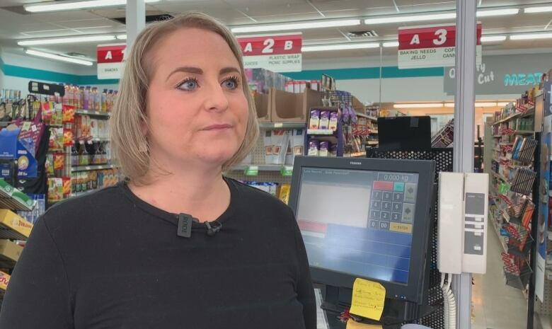 Couple uses shopping spree win to stock up groceries for Calgary Food Bank