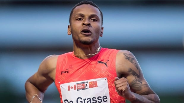 Late charge propels De Grasse to 200-metre win in season-best time