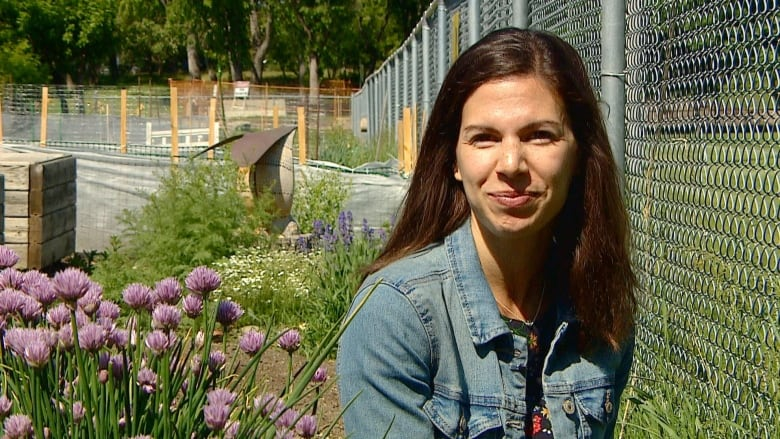 From birds to bees, U of C celebrates role pollinators play in biodiverse communities
