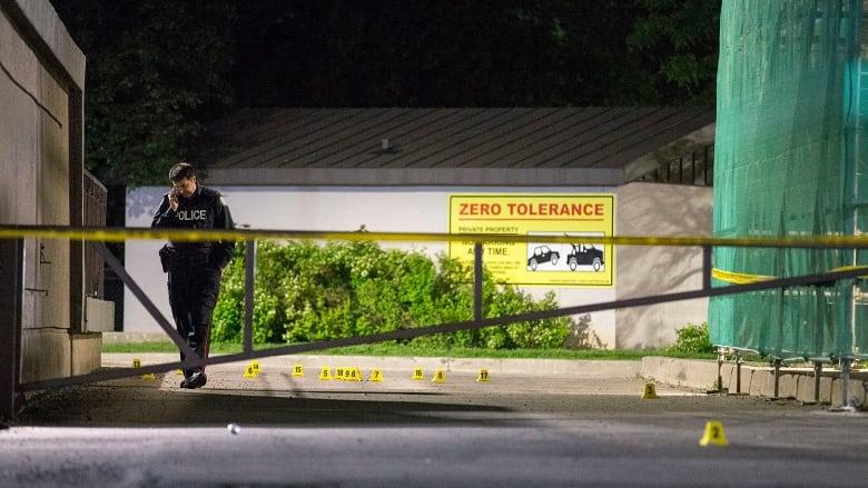 Shooting in Etobicoke leaves 3 injured