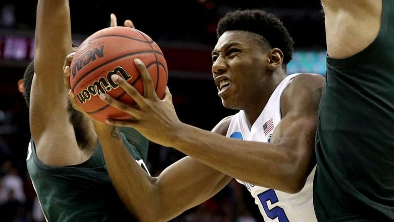b8752f3fe2924 Barring any trades before Thursday's NBA draft, the Knicks are expected to  make Duke forward R.J. Barrett of Mississauga, Ont., pictured here, ...