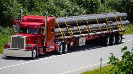 TMX pipes truck