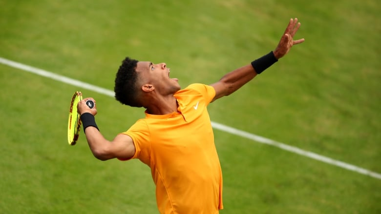 Evergreen Lopez hands youngster Auger-Aliassime Queen's lesson