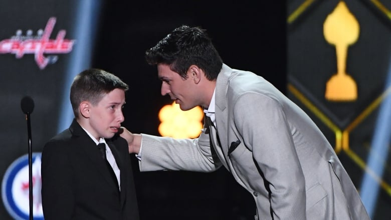 Hockey Fan S Teary Eyed Feel Good Moment With Carey Price Recognized