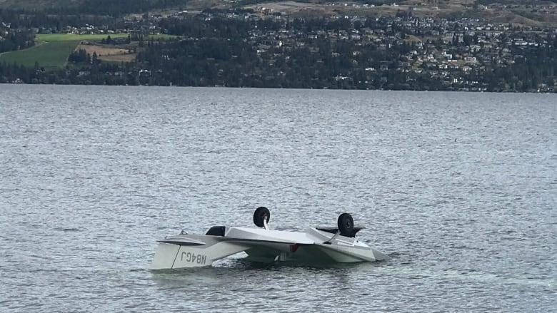 2 injured after floatplane crashes into Okanagan Lake