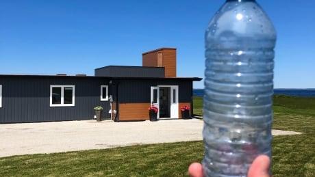 Home and waterbottle Meteghan