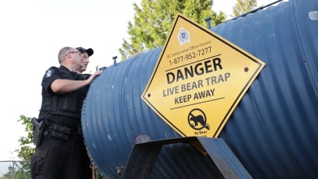 Conservation officers put down black bear that swiped at 2 people on Burnaby Mountain