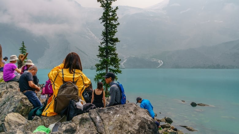 Manning park bc campgrounds with hookups