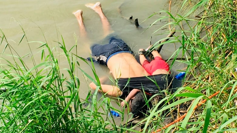 Photo of drowned migrants along U S -Mexico border